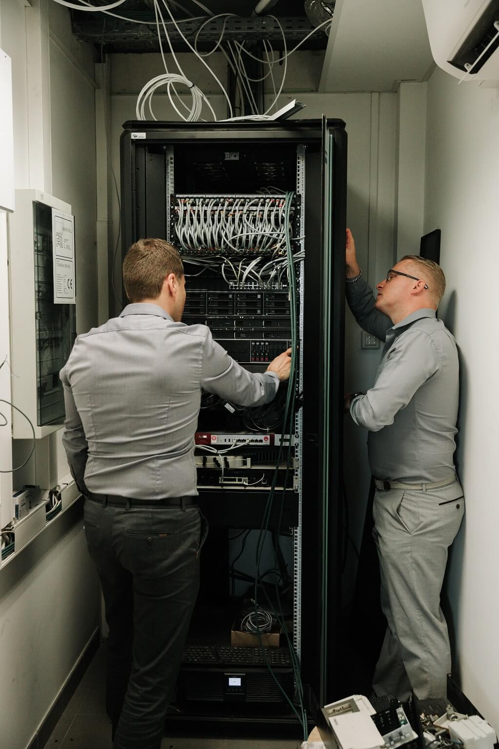 HelpIT-service-informatique-Braine-l-alleud-brabant-wallon-conseil-vendeur-materiel-nas-experience-serveur-PME